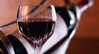 Польза вина для ногтей