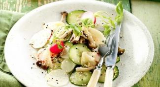 Как сделать салат с дайконом, грибами и кунжутом