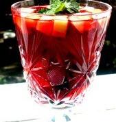 Как просто и быстро приготовить фруктово-ягодный коктейль