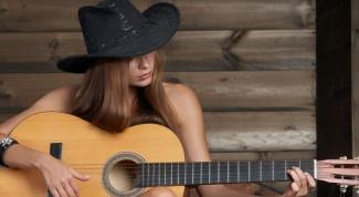 Как настроить гитару (3 способа)