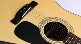 Чем отличается классическая гитара от акустической