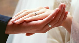 What to do if the engagement ring was not enough