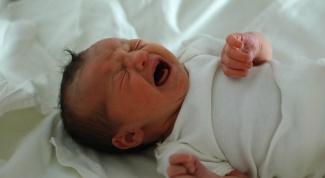 Насморк у новорожденного: как помочь дышать малышу