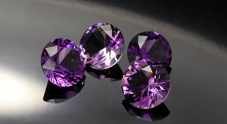How to distinguish natural amethyst from synthetic equivalent?