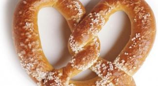 Как называется хлеб, который по легенде был изготовлен монахом