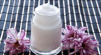 Как сделать домашний крем для век