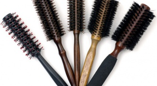 What is a round brush