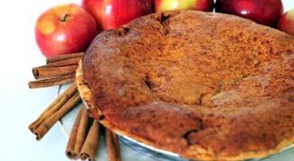 Как испечь бисквитный пирог с яблоками