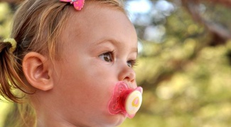 С какого возраста отучать ребенка от соски