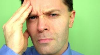 Почему болит голова в области лба
