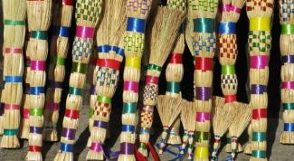 How to put homemade broom