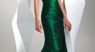 Вечернее платье зеленого цвета