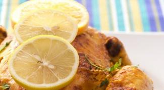 Как запечь курицу в духовке с душистыми травами и белым вином
