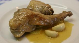 Как приготовить кролика в чесночном соусе