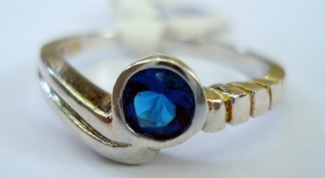 What Zodiac signs fit the sapphire