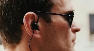 Вредно ли слушать музыку в наушниках?