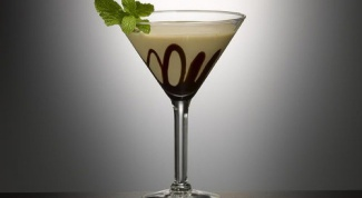 Как приготовить алкогольный коктейль со сгущенкой
