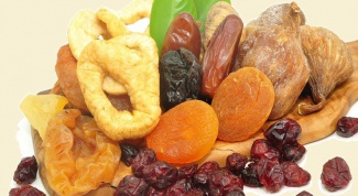 How to store dried fruits and berries
