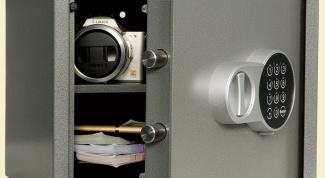 Как выбрать и установить сейф для дома?