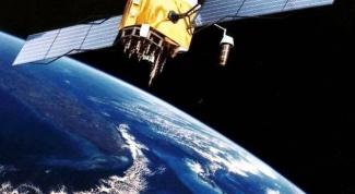 Когда и кем было изобретено спутниковое телевидение