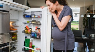 Почему беременным хочется кислого