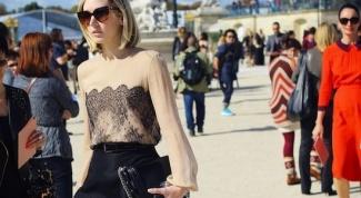 Какое белье надевают под прозрачные блузки?