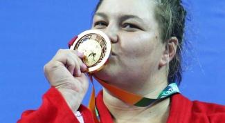 Какой рекорд по количеству золотых медалей установлен на Универсиадах