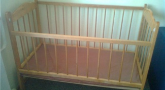How to paint wooden nursery bed