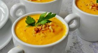 Морковно-сливочный суп-пюре с ананасами и карри