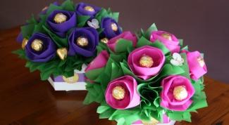 Как сделать подарок из конфет легко