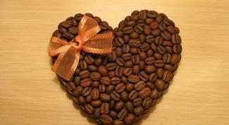 Как сделать валентинку из кофейных зерен
