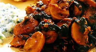 Пряные грибы со шпинатом