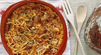 Как приготовить свинину с вермишелью по-испански