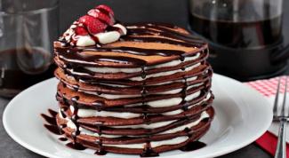 Как приготовить торт из шоколадных блинов