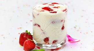 Как приготовить воздушный десерт с клубникой