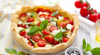 Как приготовить сырный киш с помидорами