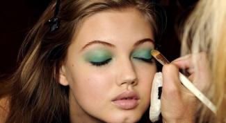 Как делать макияж смоки-айс для зеленых глаз