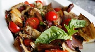 Как приготовить теплый итальянский салат с баклажанами
