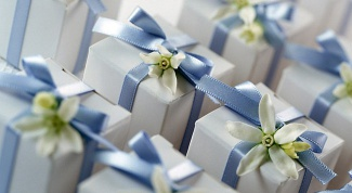 What to give for birthday unfamiliar person