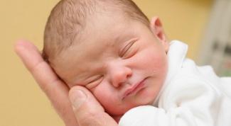 Сколько идут месячные после родов