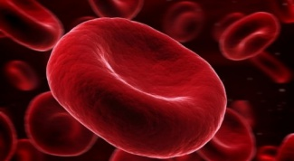 What are the risks of raising hemoglobin