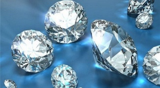 How to distinguish a cubic Zirconia from a diamond