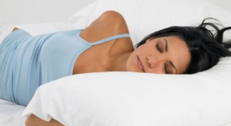 To sleep without a pillow harmful or helpful