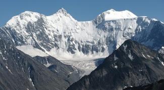 Какая самая высокая вершина на Алтае