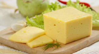 Сколько калорий в Российском сыре