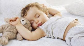 В какой позе спать ребенку
