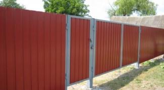 Как укрепить забор