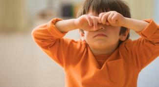 Что делать, если у ребенка опухли глаза