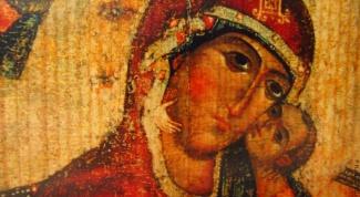 В каких российских храмах есть чудотворные иконы