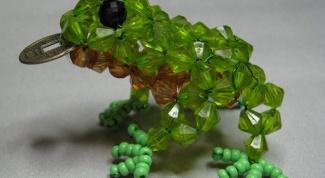Как сплести лягушку из бисера